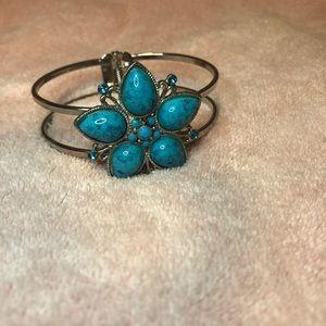 Turquoise flower braclet